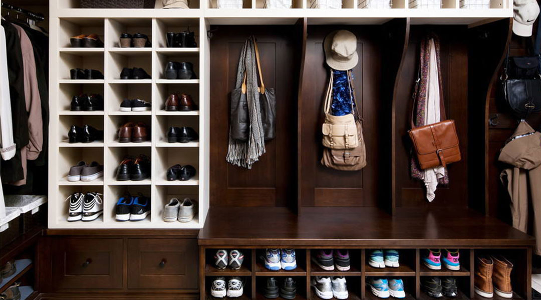 Solid Wood Walk-in Shoe Cabinet Design