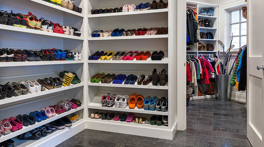 Walk-in Shoe Cabinet