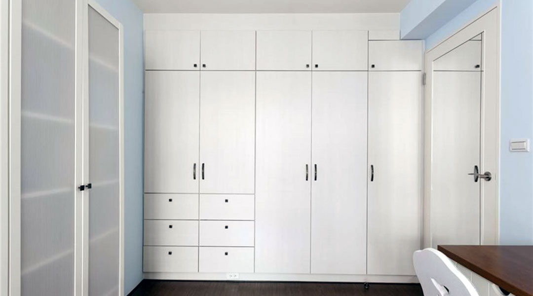 Swing Doors Wardrobe Cabinet Design 04