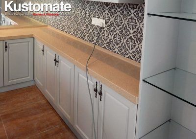 Classic Built-in Storage Cabinet With Quartz Surface For Bedroom