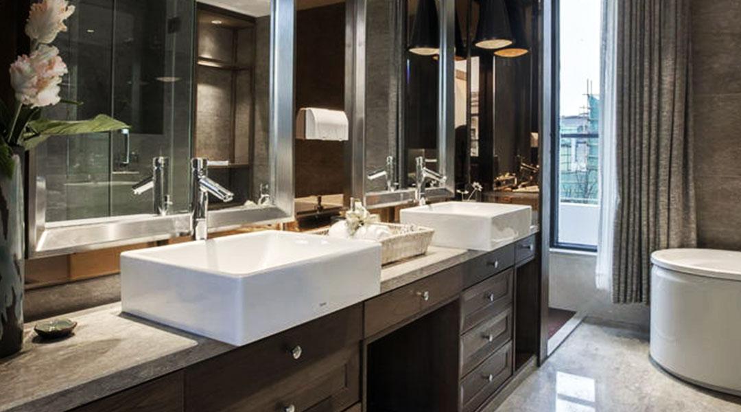 Classic Bathroom Cabinet with Quartz Countertop