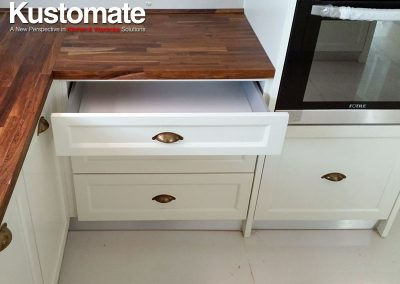 Solid Wood Classic Kitchen Cabinet Design 02