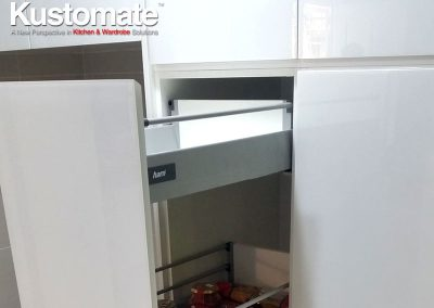 Contemporary Minimalist Gloss Kitchen Cabinet Design & Build For Residential House 06